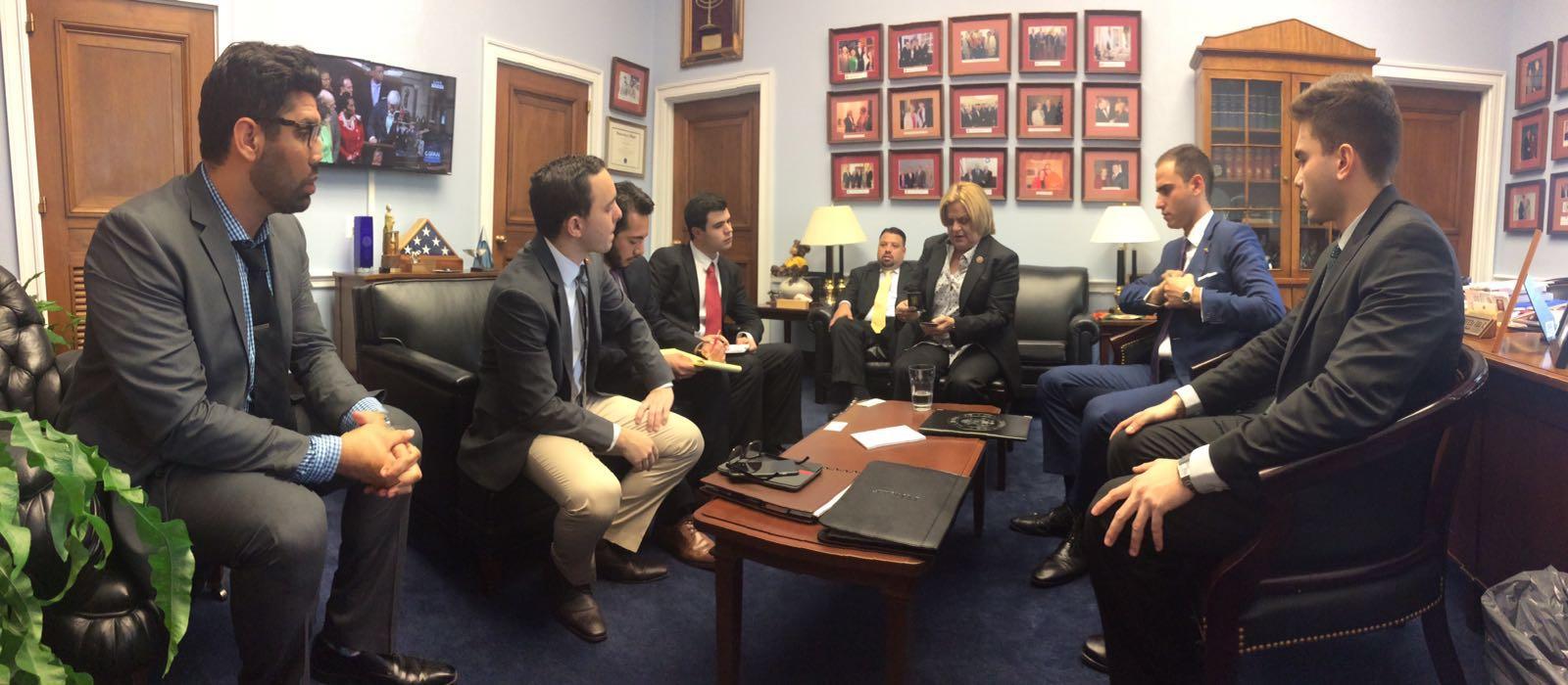 Delegación de jovenes venezolanos en el Congreso de EE.UU junto a la Congresista Ileana Ros Lehtinen