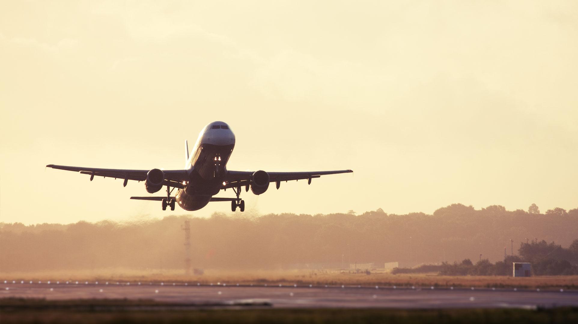 mejores-aerolineas-avion-despegando_0